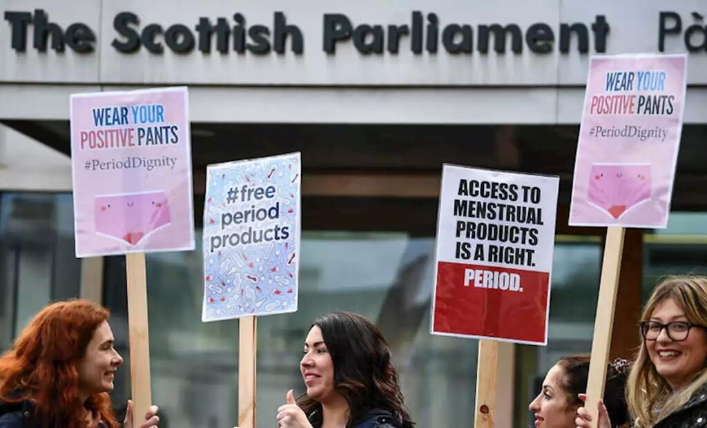 Шотландія, мітинг на підтримку закону про забезпечення жінок санітарно-гігієнічними виробами
