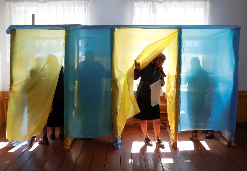 Вибори-2020: Скільки жінок потрапили до місцевої влади?