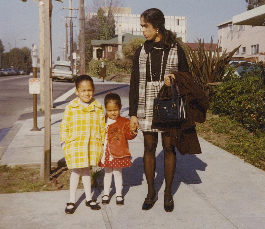 Камала Гарріс із сестрою і мамою