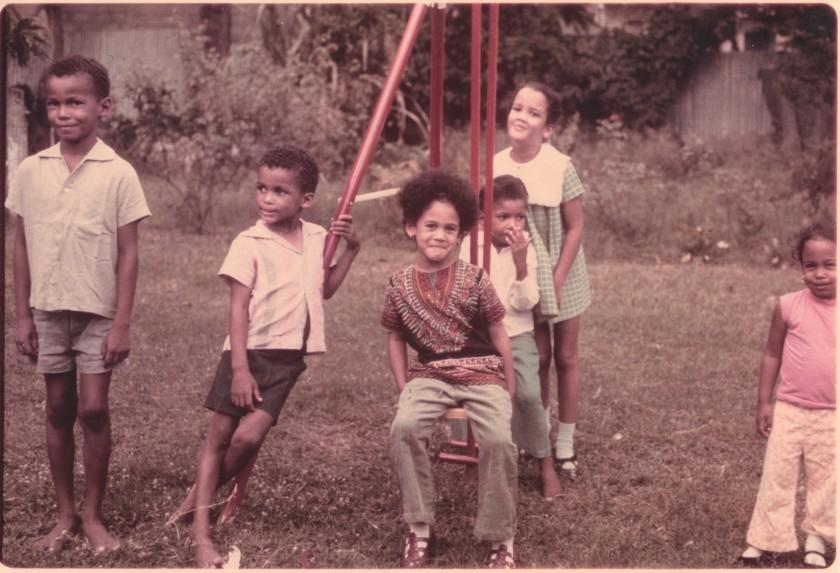 Камала Гарріс із дітлахами