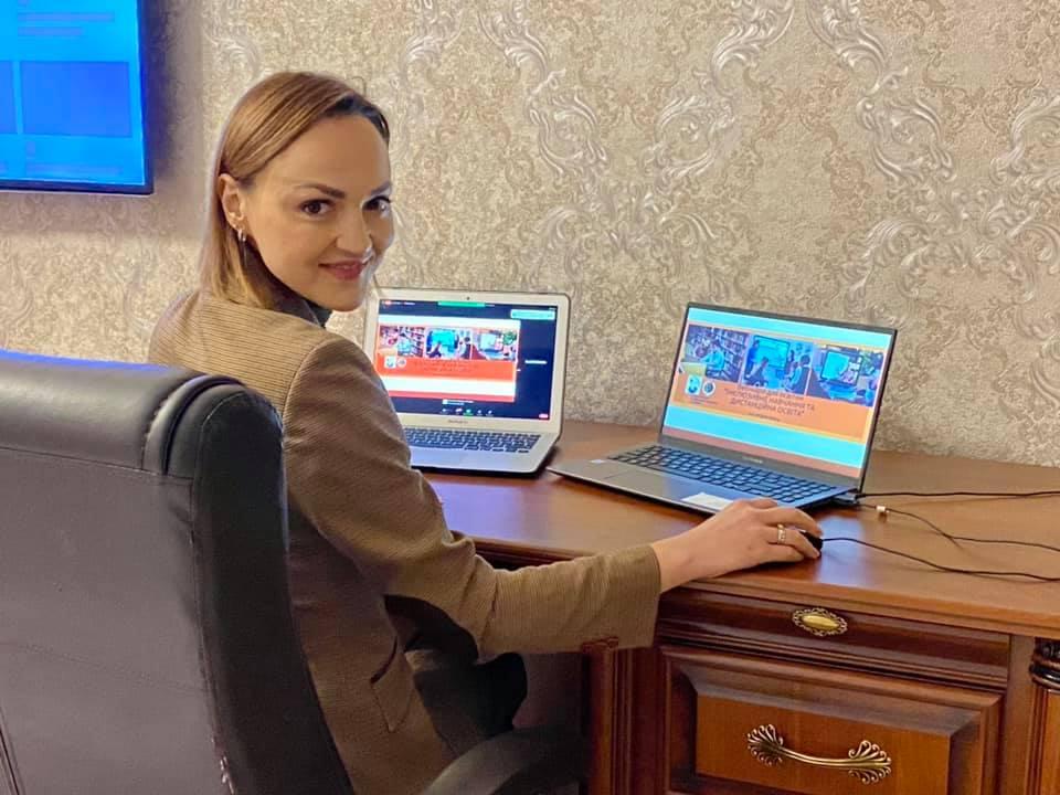 Ганна Давиденко, активна громадська діячка