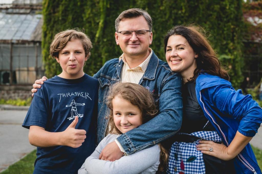 Євгенія Кулеба з чоловіком та дітьми